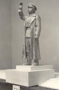 24 Vilt Sztálin pályamű