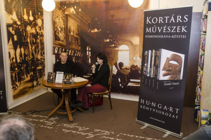 Könyvbemutatón Sárkány Győzővel - Írók Boltja, 2013 március