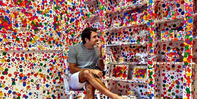 Federer- in Kusama's installation