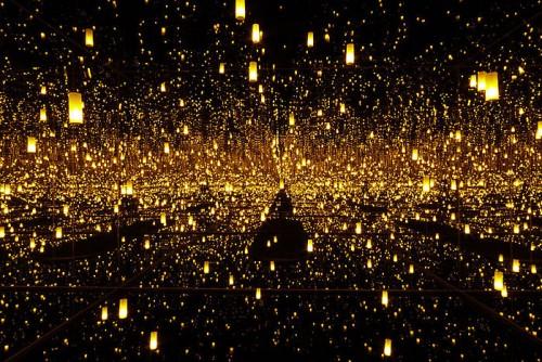yayoi_kusama fireflies sárga
