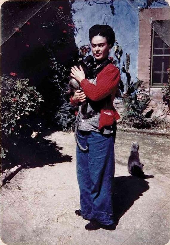 Frida Kahlo with her monkey
