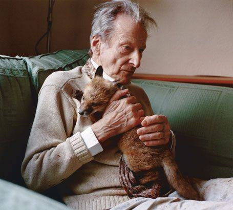 Lucian Freud with fox ca. 2011