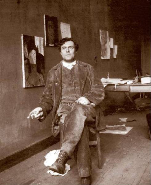 Amedeo Modigliani in his atelier - Paris ca. 1915 - photo by Paul Guillaume