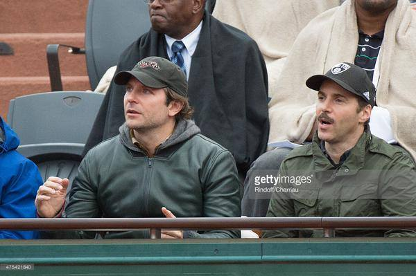 Bradley Cooper (and Alessandro Nivola) watch Roger's match today