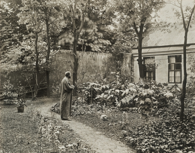 MORITZ NÄHR, Gustav Klimt in the garden in front of his studio at Josefstädter Straße, 1912
