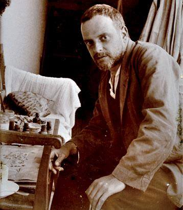 05. Paul Klee in his studio - 1921