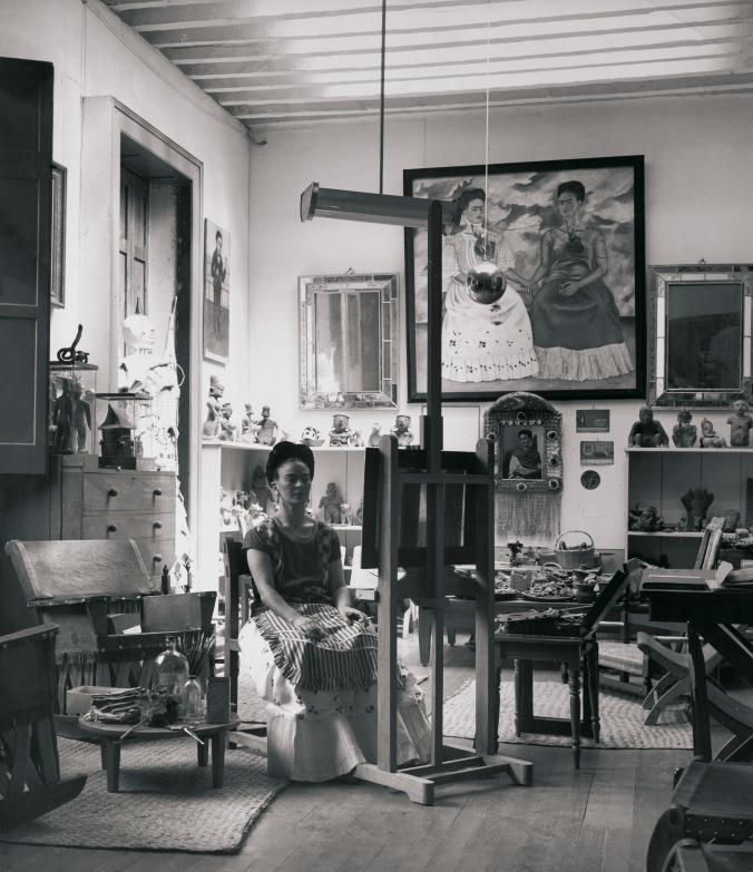 Frida in her studio 1943