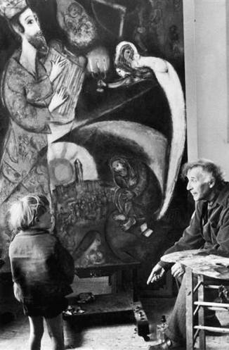 Marc Chagall with a child against King David - photo by Felix H. Man