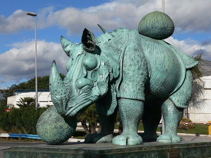 05 Salvador Dali. Rinoceronte vestido con puntillas. 1956. Bronze. It weights 3,600 kg. Puerto José Banús, Marbella, Spain