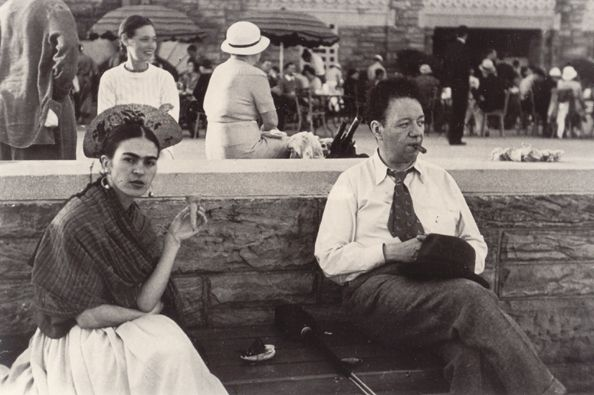 Frida Kahlo with Ice-Cream Cone, Diego Rivera, Jones Beach, New York, 1933 photo Lucienne Bloch