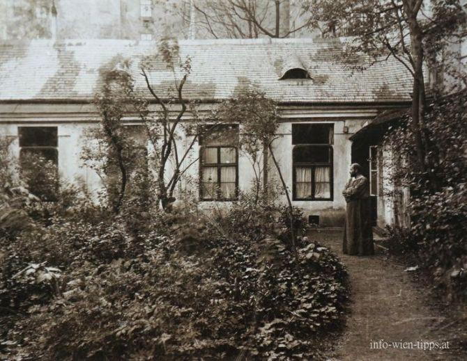 Gustav Klimt in the garden of his atelier in the josefstädterstrasse 21, Vienna, 1912