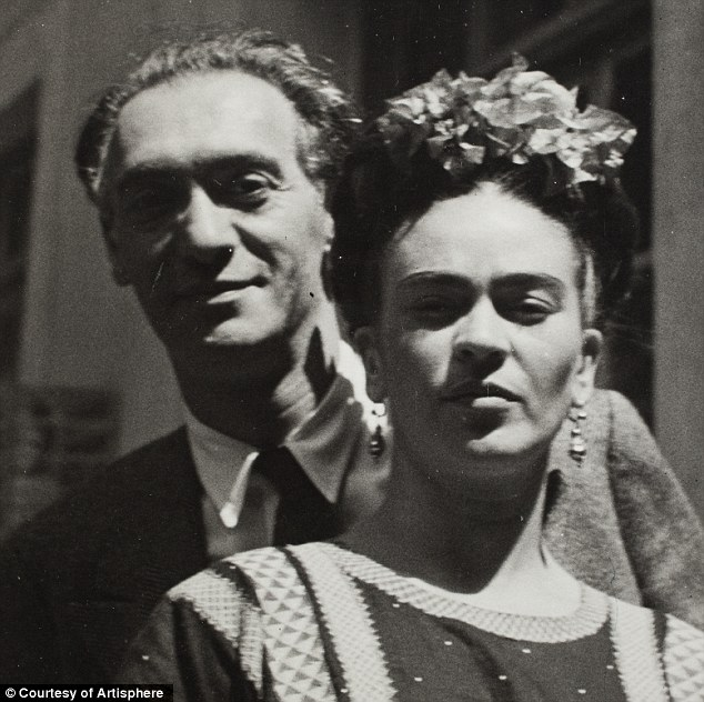 Nickolas Muray and Frida Kahlo in 1939, the photo was taken by Muray