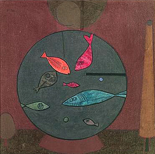 Paul Klee Fisch im Kreis (Fish in a Circle) tempera 1926 43 x 42 cm. Paul Klee (1879-1940)