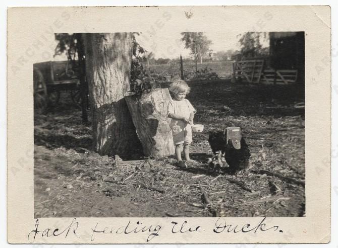 Jackson Pollock feeding ducks, 1914.jpg
