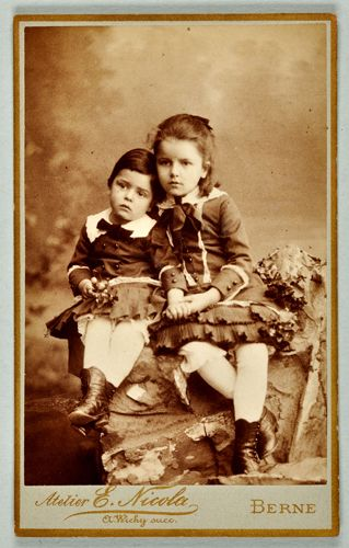 Paul Klee and his sister Mathilda in 1884