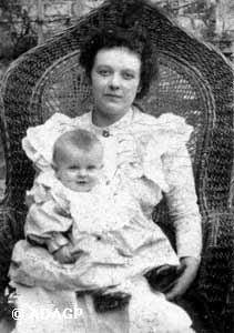 René Magritte with his mother Adeline Magritte ca. 1899