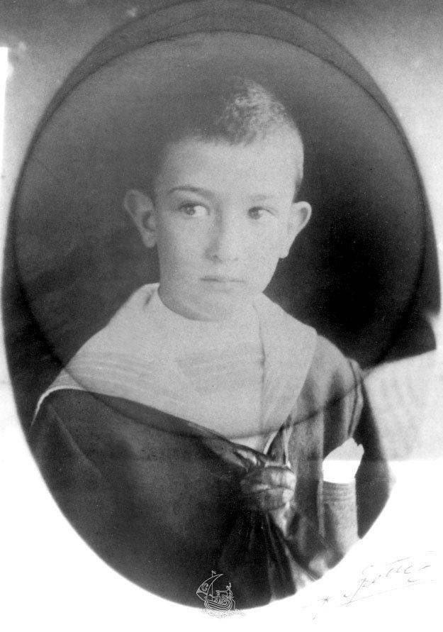 Salvador Dalí 1911 at age 7