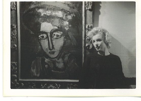 marilyn with painting