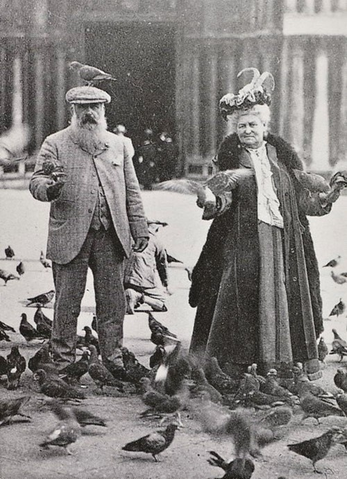 01.Claude Monet and Alice Hoschedé Monet in Piazza San Marco, Venice, October 6, 1908.