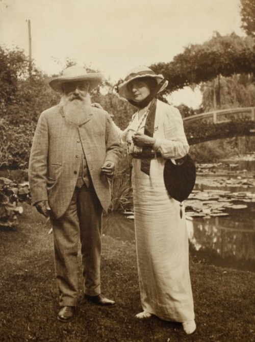 01.Claude Monet et Charlotte Lysès, Giverny 1915 -by Sacha Guitry