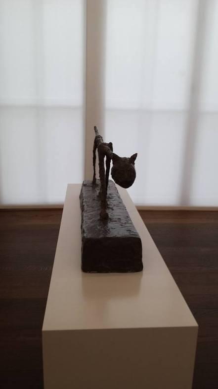 Giacometti Cat szemből