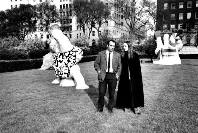 Niki de Saint Phalle with Jean Tinguely at the Conservatory Garden, photographed by Jill Krementz 1968