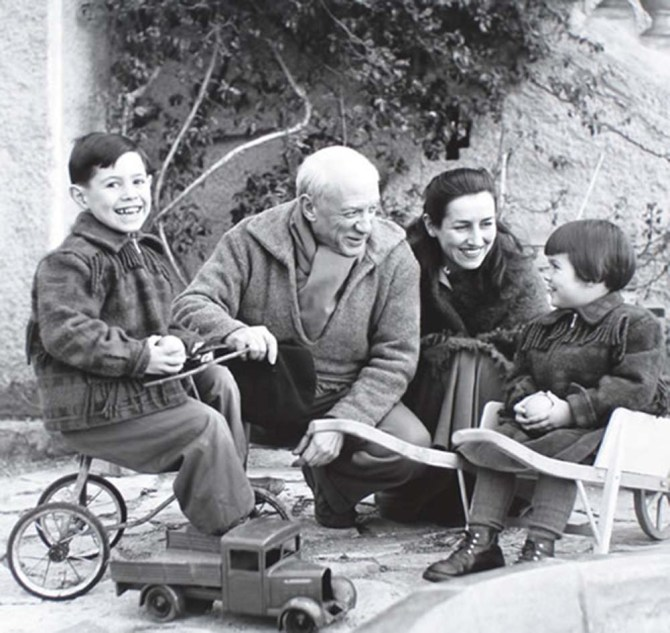 claude-pablo-picasso-francoise-gilot-and-paloma-1953