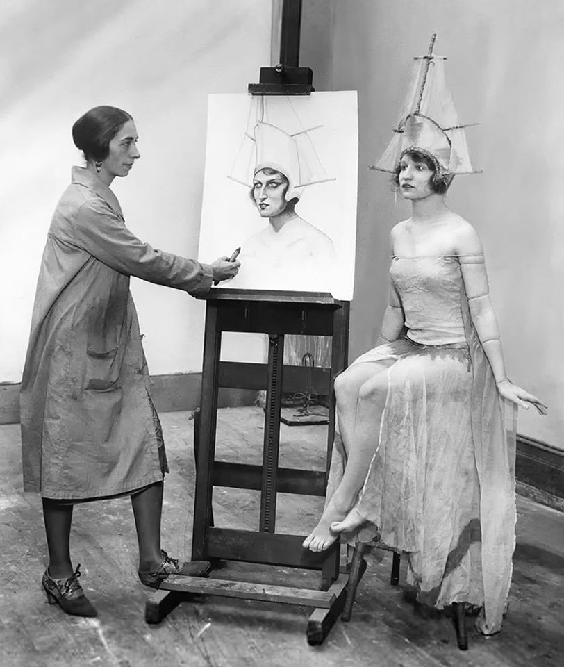 Edith Bry american painter at work, 1927
