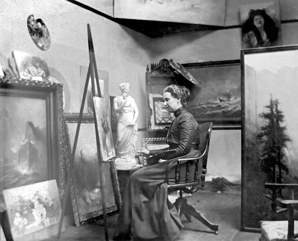 Unknown female artist in his studio, early 1900s